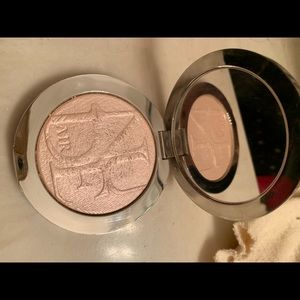 Dior nude air luminous highlighter